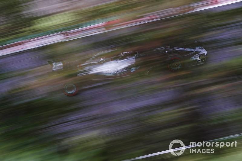Hamilton nyerte a Japán Nagydíj időmérőjét, Vettel csak 9. a Ferrarival