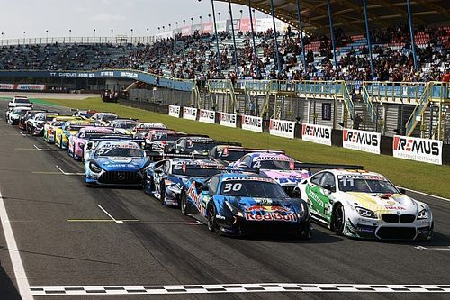 Скандал в DTM: лидер устроил хаос на старте гонки