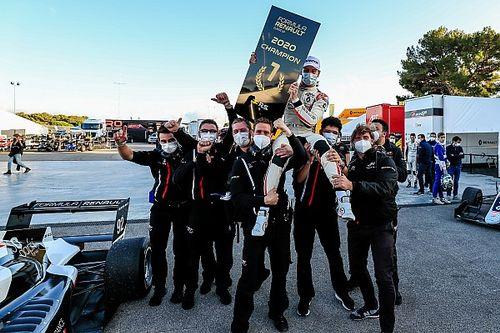 Victor Martins remporte l'ultime titre de Formule Renault