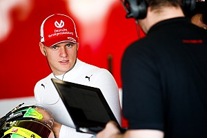 Pekan depan, Schumacher tes F1 dengan Ferrari