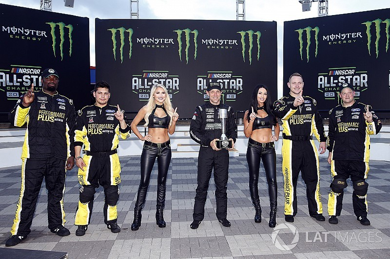Kenseth logra la pole para el All-Star