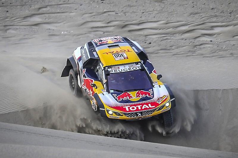 Dakar, clamoroso: sospensione K.O. per Peterhansel. Sainz nuovo leader!