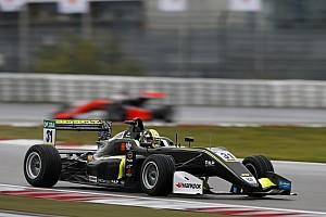 EUROF3 Gara Lando Norris mago della pioggia domina Gara 1 al Nurburgring