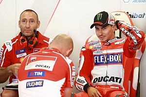MotoGP BRÉKING Lorenzo készen áll rá, hogy Dovit támogassa a bajnoki csatában