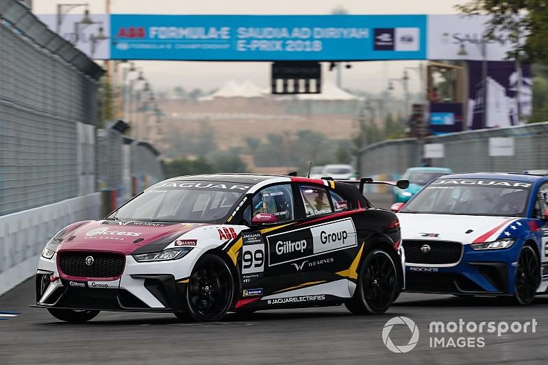 Evans wins inaugural Jaguar eTrophy race