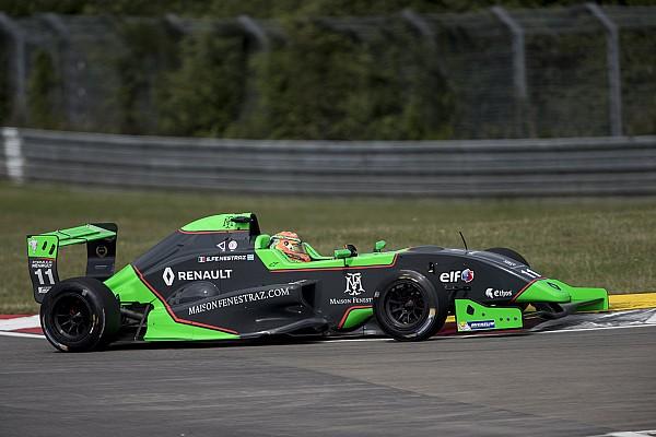 Formula Renault Gara Sacha Fenestraz conquista il titolo a Barcellona