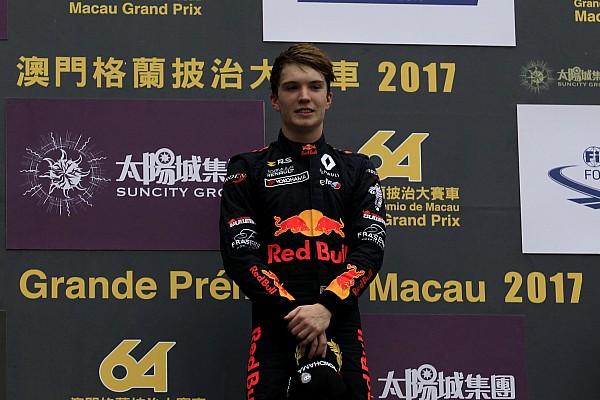 Юніор Red Bull Ден Тіктем перейде до Євро Ф3 у 2018 році
