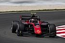 FIA Fórmula 2 Russell gana la carrera feature en la F2 en España