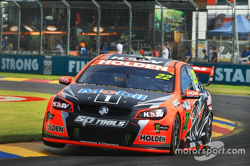 Clipsal 500 V8s: Courtney holds off Whincup in Race 2