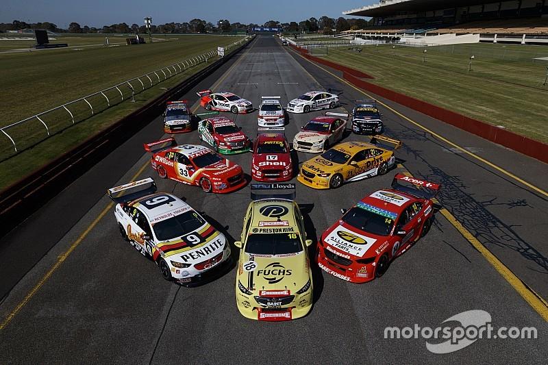 Машины Supercars снова перекрасили в ретро-ливреи для одной гонки. Что получилось?