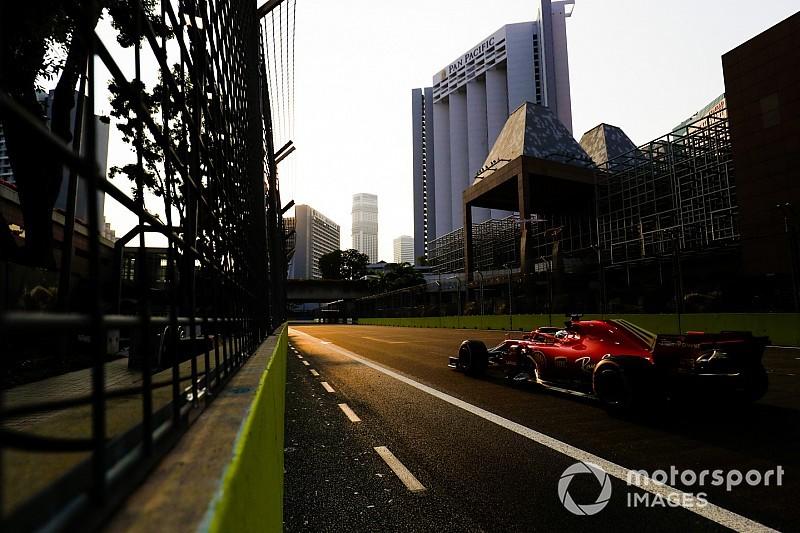 Галерея: найкращі світлини п'ятниці з Гран Прі Сінгапуру