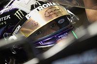 Egymás mellett Hamilton és Verstappen Q3-as köre az esős Stájer Nagydíjról: beszédes (videó)