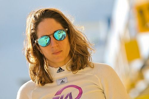 Bia Figueiredo anuncia retorno às pistas com participação nas 12 Horas de Sebring