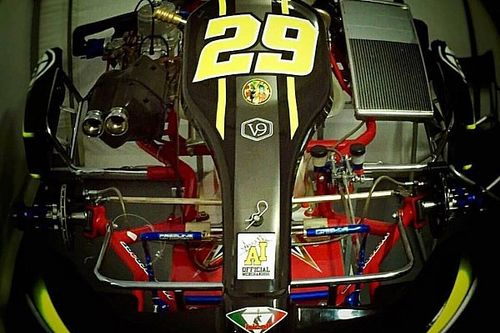 Iannone posta un kart con il numero 29: prende in giro Schwantz?