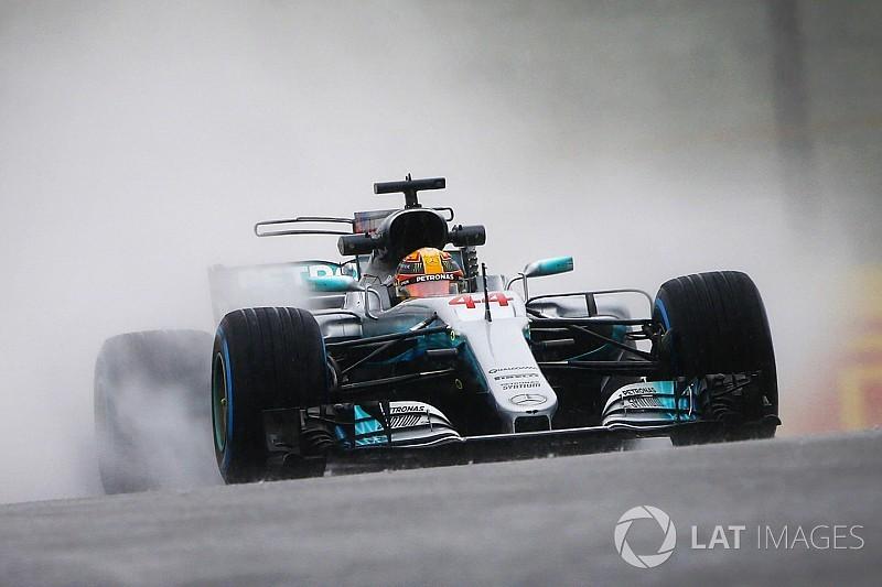 Hamilton lidera TL2 encurtado pela chuva no Japão