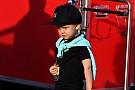 Kimi Raikkonen comparte en Instagram fotos de festejo de su hijo
