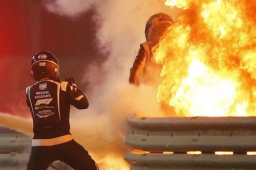 Imagem forte: Grosjean mostra estado das mãos sem faixas pela primeira vez