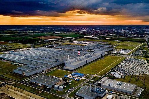 Három hetes termelési szünet lesz a kecskeméti Mercedes-gyárban a félvezető-hiány miatt