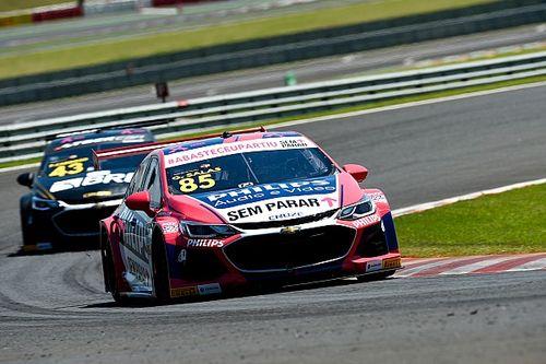 Stock Car: Salas segura Zonta e converte pole em vitória na corrida 1 no Velocitta