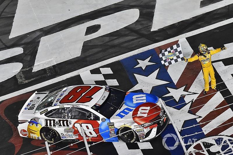 Кайл Буш одержал четвертую победу на этапе NASCAR в сезоне