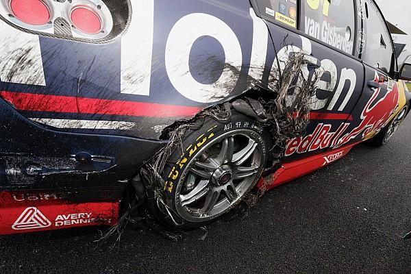 Supercars Новость Пончики-убийцы: новозеландец так радовался победе, что повредил машину