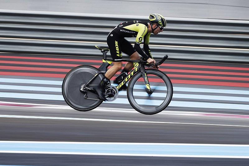 Simon Yates batte il record in bici del Paul Ricard con tubolari Pirelli P Zero Velo
