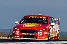 Маклафлин выиграл первую гонку Supercars на «Филипп-Айленде»