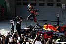 Столкновение пилотов Toro Rosso принесло Риккардо победу в Китае