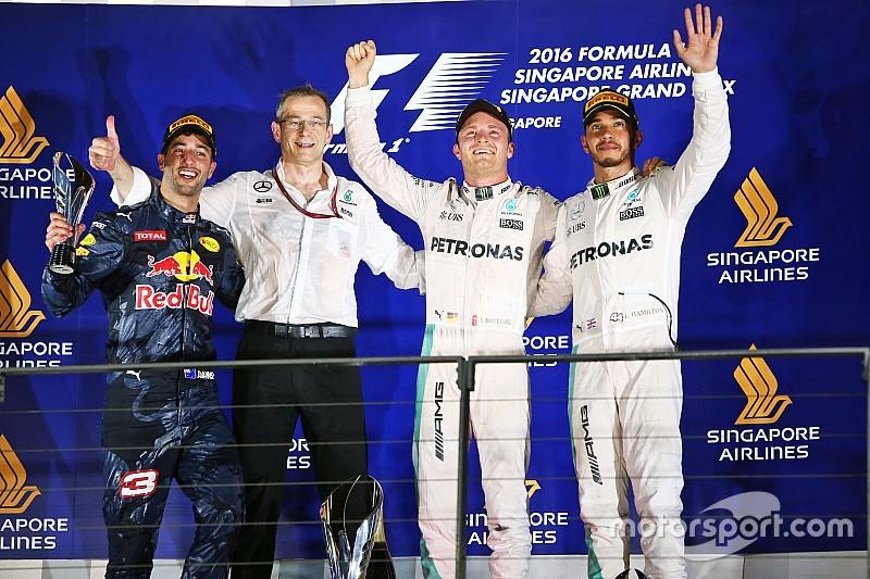 Росберг выиграл в Сингапуре и вернулся в лидеры сезона