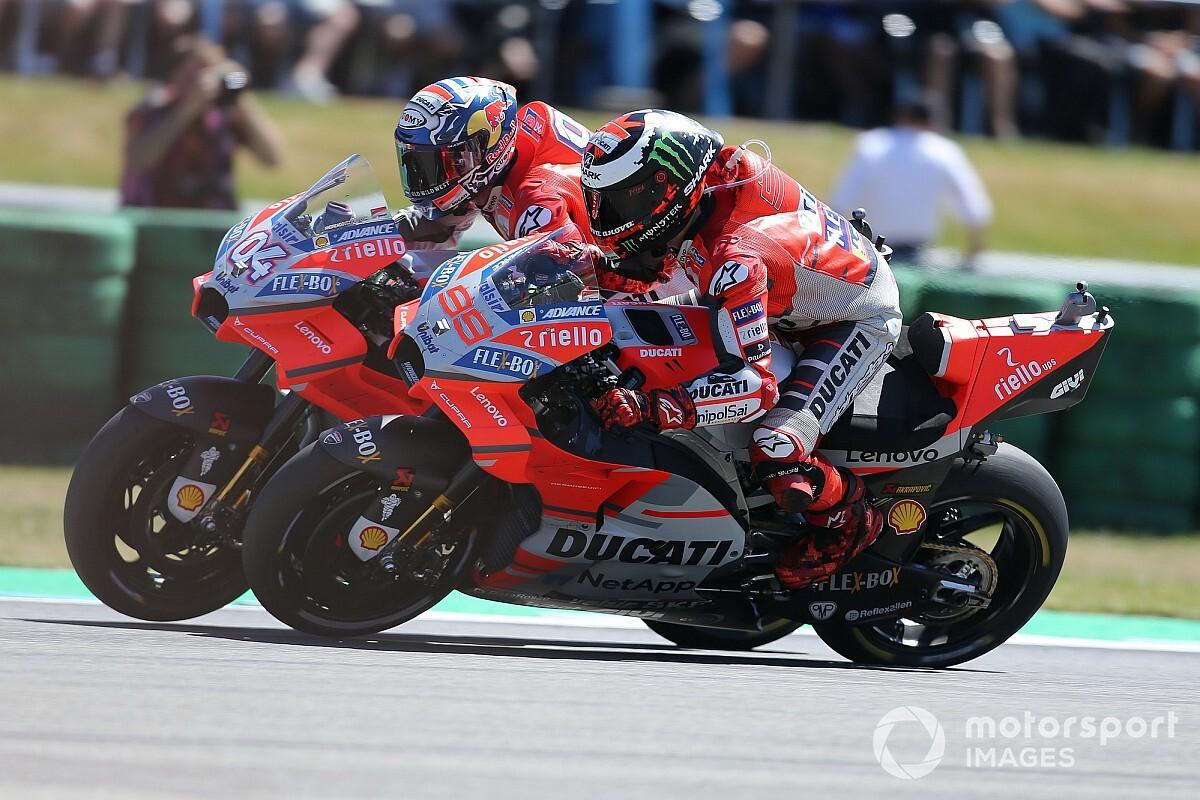 Grande doppietta Ducati nelle Qualifiche di Aragon: pole di Lorenzo davanti a Dovizioso. Notte fonda per Rossi