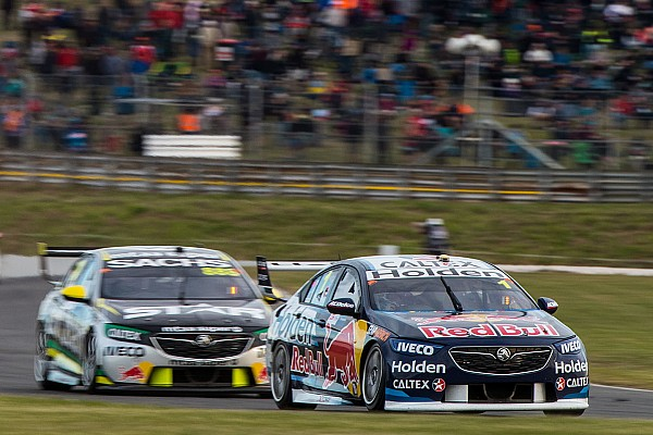 Supercars Tasmania Supercars: Whincup leads Lowndes in final practice
