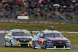 Supercars Practice report Tasmania Supercars: Whincup leads Lowndes in final practice