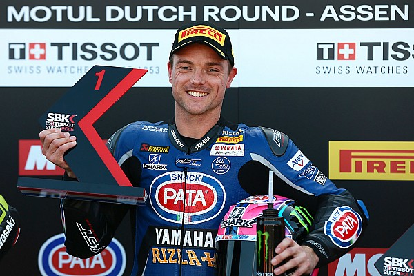 Assen WSBK: Lowes outpaces Rea for maiden pole