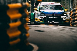 WTCC Race report Macau WTCC: Bennani wins as Michelisz crash blocks track