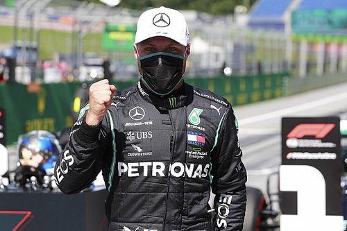Bottas le gana la pole a Hamilton; desastre para Ferrari