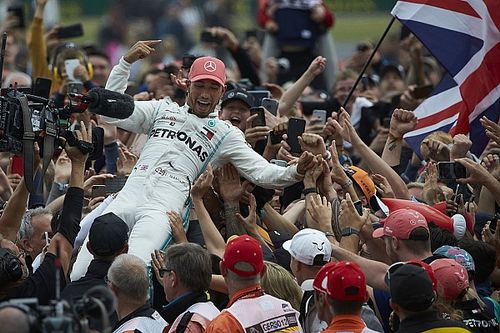 """Hamilton : """"Prématuré"""" d'organiser un GP à guichets fermés"""