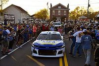 Chase Elliott wins Cup Series' Most Popular Driver for third time