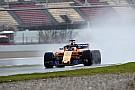 Из-за непогоды команды Ф1 проехали на тестах 16 кругов за весь день
