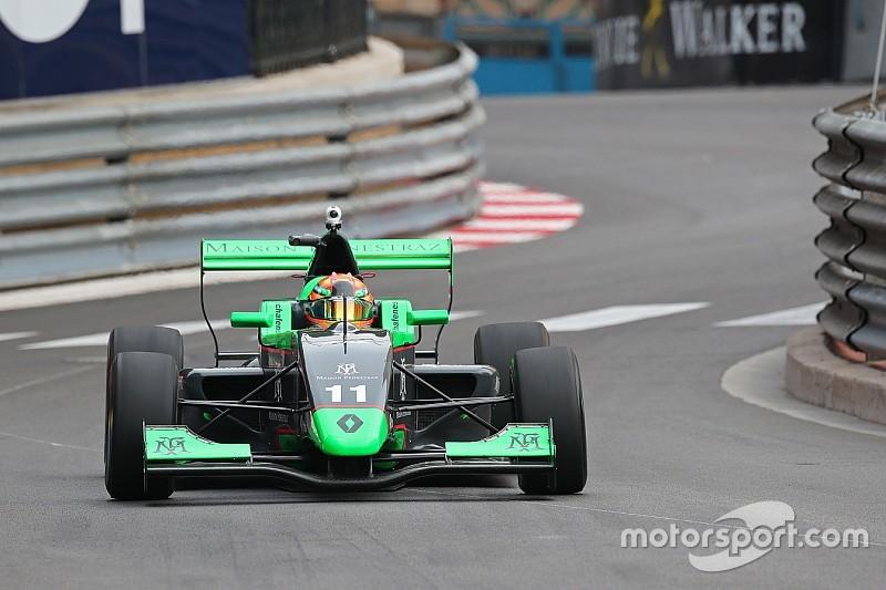 Sacha Fenestraz domine la séance d'essais à Monaco