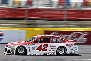NASCAR Sprint Cup Crónica de entrenamientos Suárez noveno y Kyle Larson primero en la Happy Hour para Charlotte