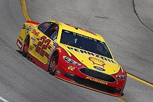 Monster Energy NASCAR Cup Yarış raporu Richmond'da Logano kazandı, Penske 1-2 oldu