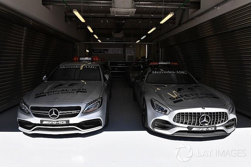 Az SC és az MC már be is parkolt: szépségek