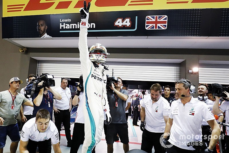 Singapore GP: Hamilton storms to pole ahead of Verstappen