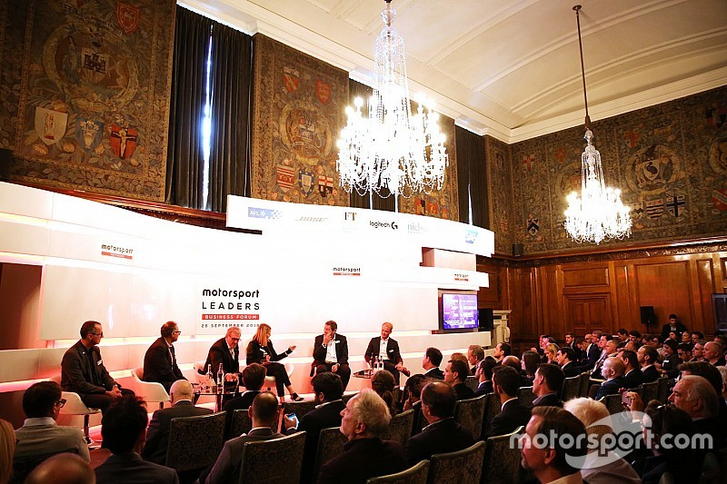 Líderes empresariais do automobilismo abordam futuro do esporte em fórum
