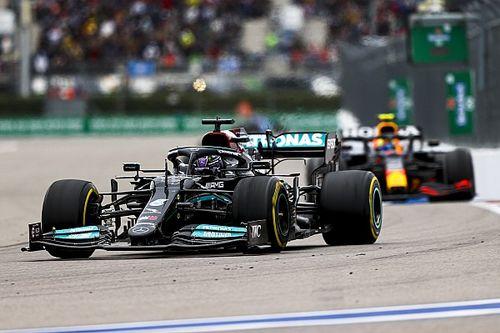 """Verstappen: """"Trop facile"""" d'imputer la forme de Mercedes au moteur"""