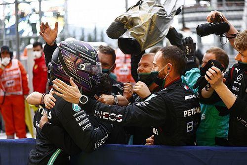 """Mercedes: """"Hamilton ilk çağrıyı görmezden gelse de onu pite almakta kararlıydık"""""""