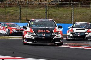 TCR Репортаж з гонки TCR в Угорщині: Ташші здобув першу перемогу