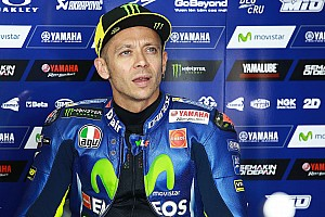 MotoGP BRÉKING Rossi 2019-re is maradna a MotoGP-ben!