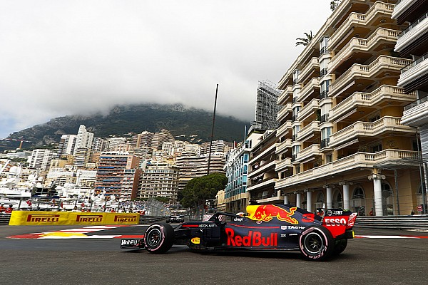 Пилоты Red Bull стали быстрейшими в первой тренировке в Монако