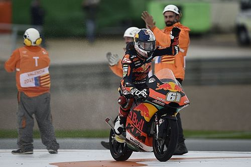 "MotoGP riders praise Oncu for ""unreal"" Moto3 win"